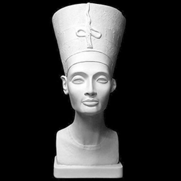 Бюст Нефертити в тиаре из гипса